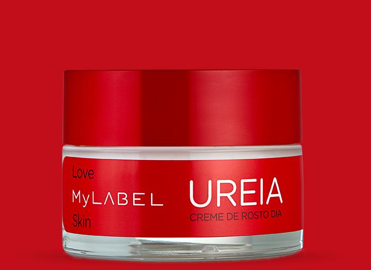 O creme de dia MyLABEL Ureia, ajuda na hidratação das peles secas e sensíveis, proporcionando uma sensação de alívio e conforto.